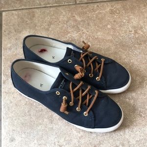 Sperry Pier View Canvas Sneaker size 10